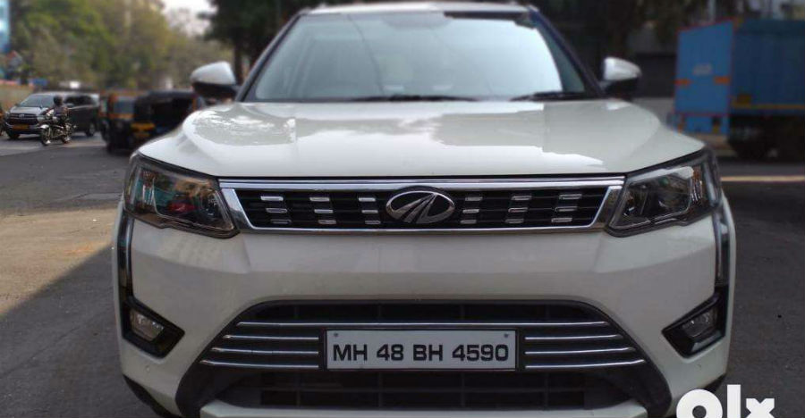 Almost-new used Mahindra XUV300 sub-4m compact-SUVs for sale: CHEAPER than new