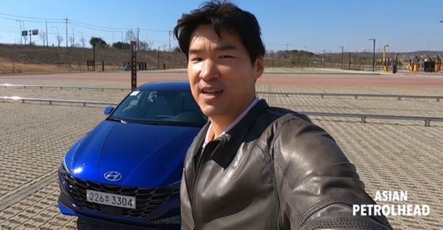 Hyundai Elantra Review Featured