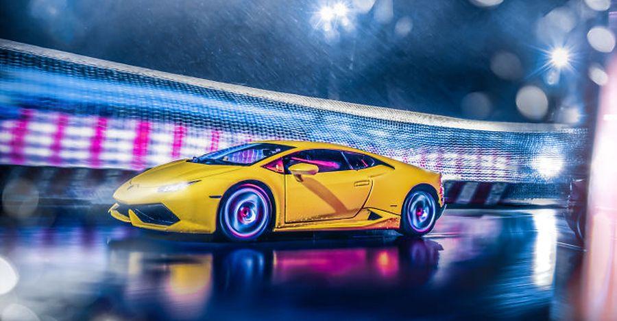 Lamborghini scale model + Corona lockdown + innovative photographer: Here's the result