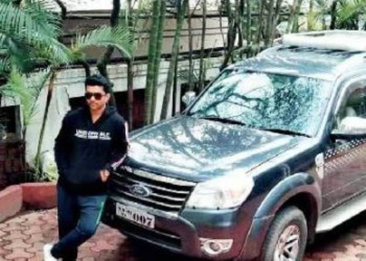 Ford Endeavour owner sells his SUV to purchase & distribute oxygen cylinder for COVID pati …