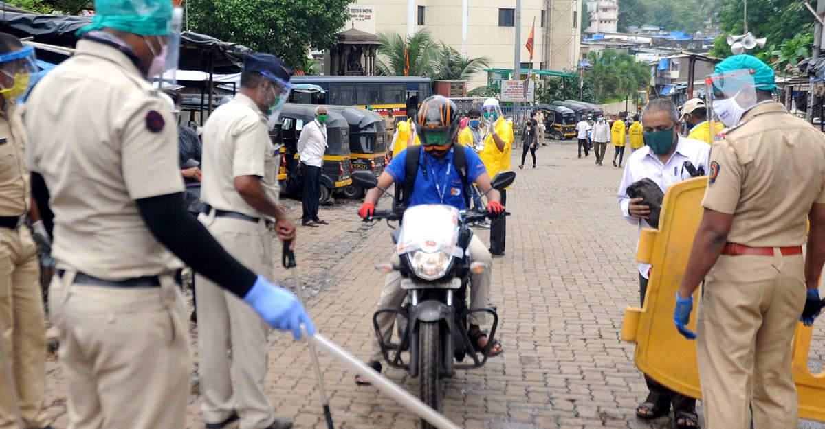 Mumbai Police SEIZE 6,800 vehicles for driving/riding more than 2 Kms away from home