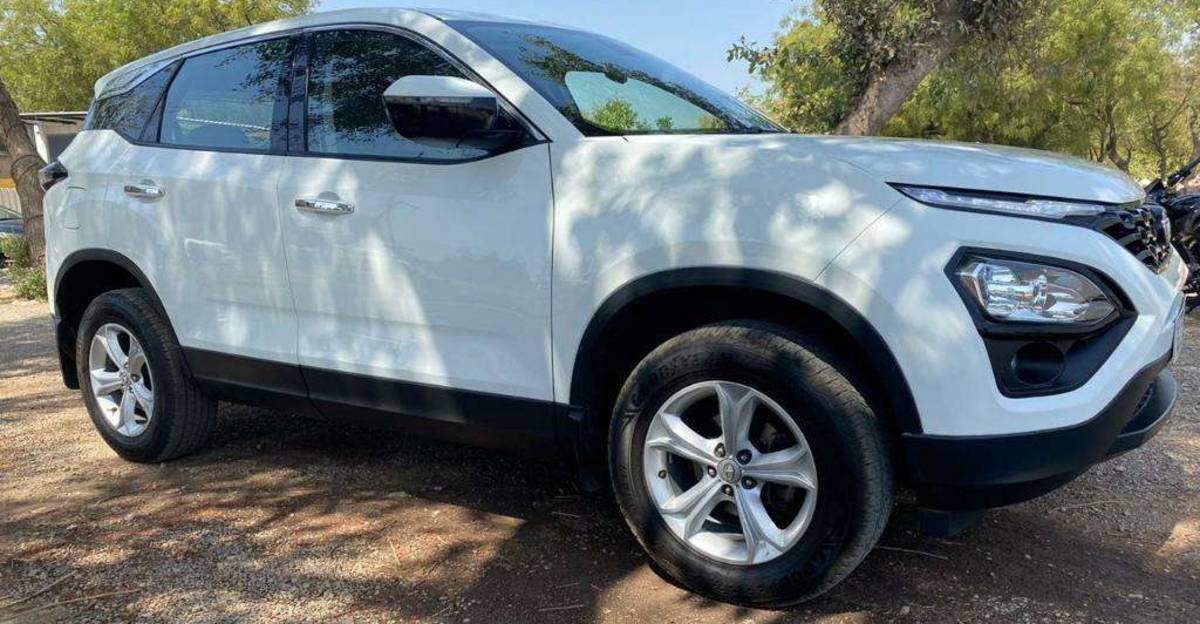Almost-new used Tata Harrier mid-size SUV for sale: CHEAPER than new