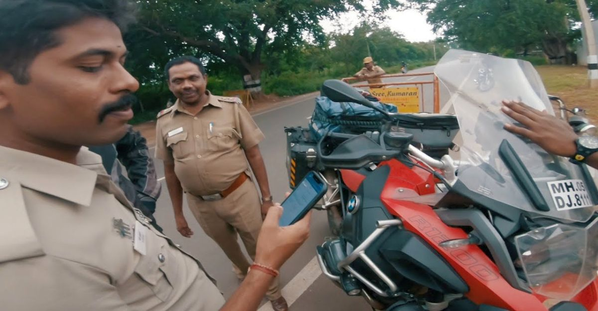 Watch Indian cops go crazy over a BMW superbike [Video]