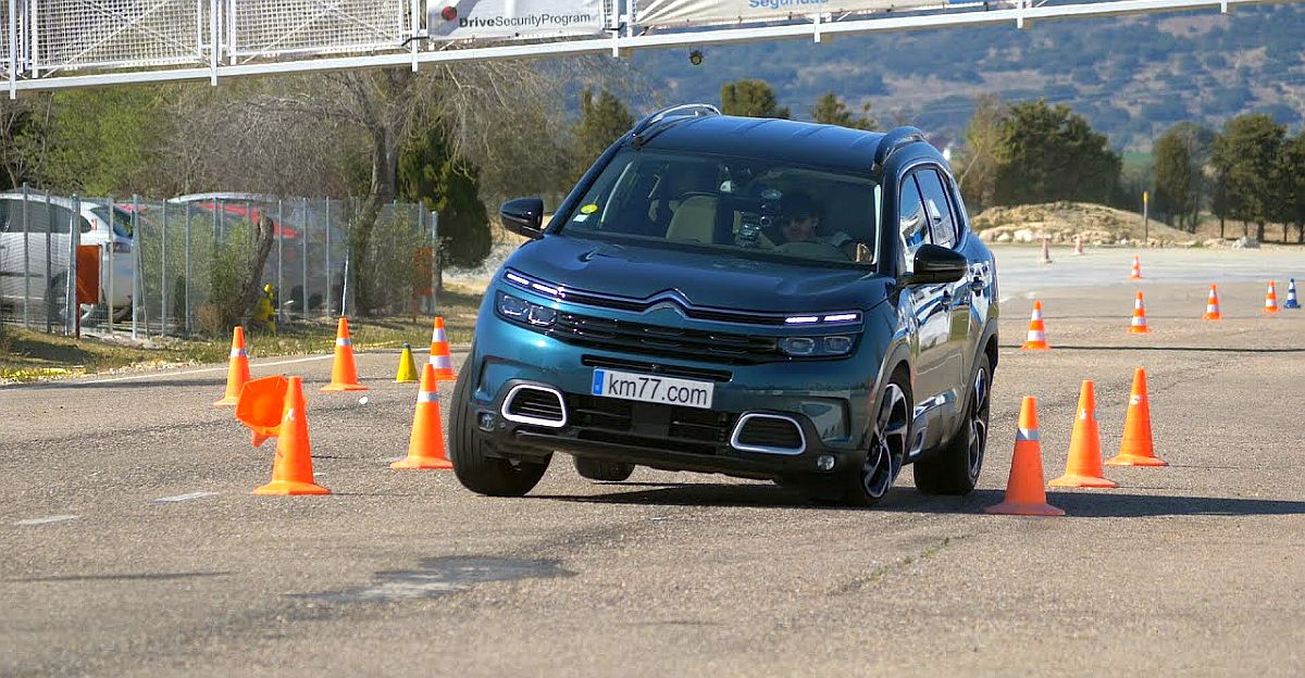 Citroen Aircross C5 SUV performs a moose test [Video]