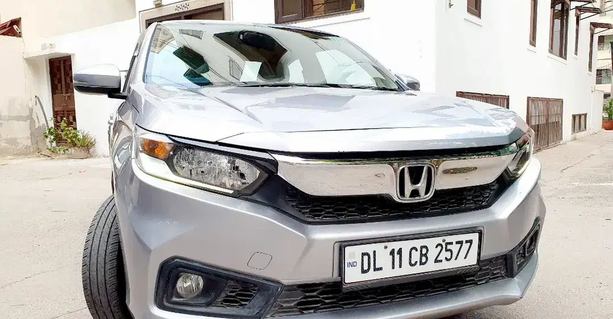 3 almost-NEW automatic compact sedans in Delhi that can save you good money