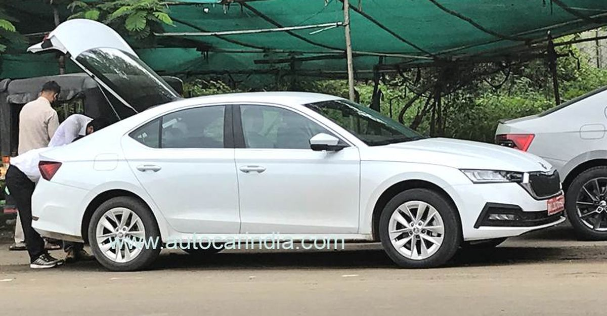 Next-gen Skoda Octavia spotted testing on our roads without camouflage