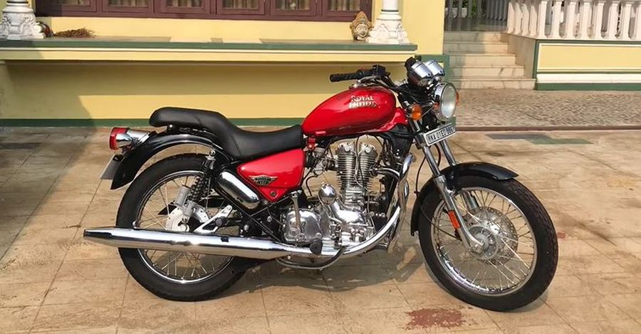 Watch this 15 year old Royal Enfield Thunderbird getting beautifully restored on Video