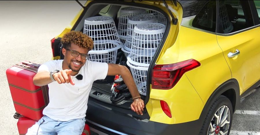 How much luggage can the Kia Seltos fit in its boot? [video]