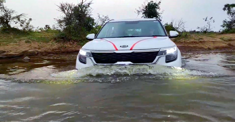 Seltos goes water wading but should you attempt such things in compact SUVs? [Video]