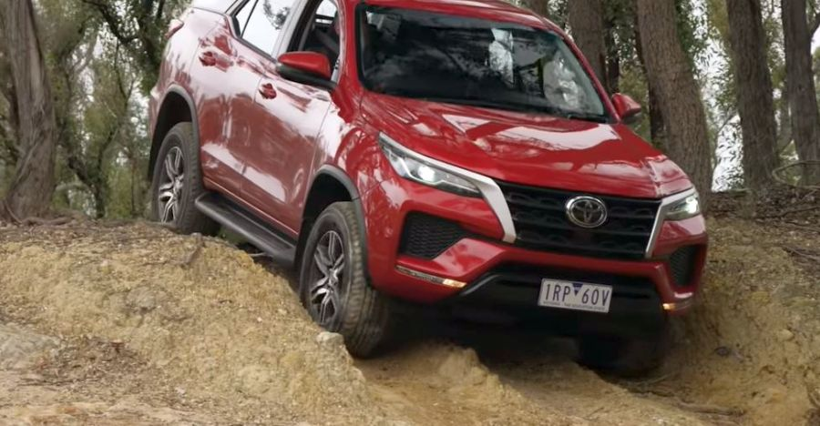 Facelifted Toyota Fortuner does 100 Kph in under 10 seconds: Bookings open