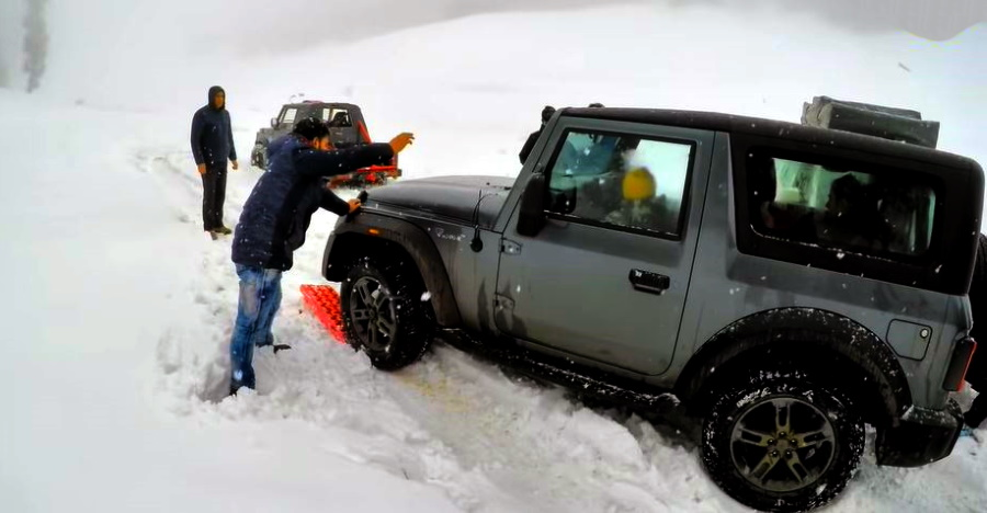 All-new 2020 Mahindra Thar stuck in snow: Traction board to the rescue