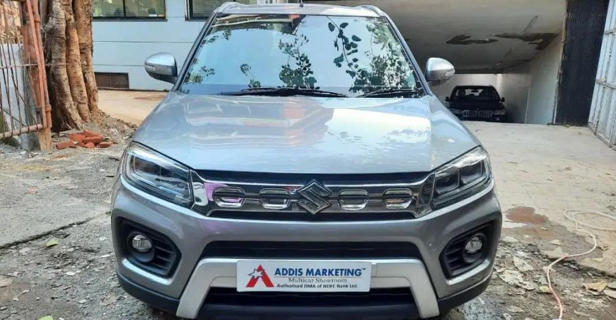 Almost-new, Used Maruti Brezza Petrol compact SUVs for sale