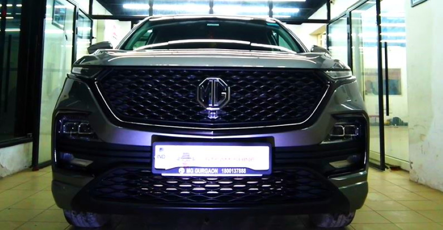 MG Hector SUV tastefully modified with a 'chrome delete'