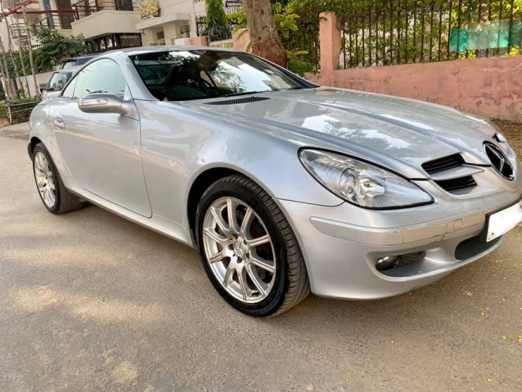 Pre Owned Mercedes Benz Slk 350 Convertible Selling For Less Than 20 Lakhs