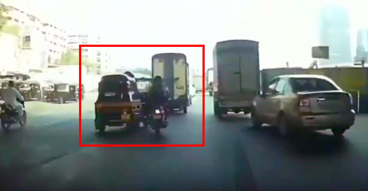 Autorickshaw driver deliberately crashes into biker after argument in Mumbai