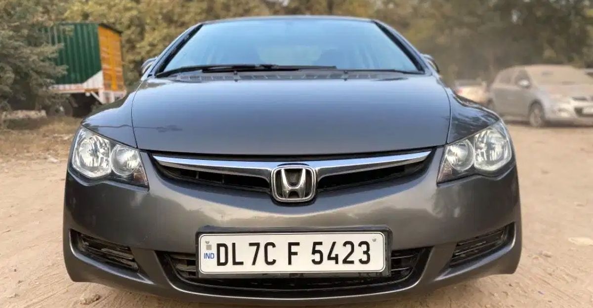 5 low-running Honda Civic sedans below Rs 2 lakh