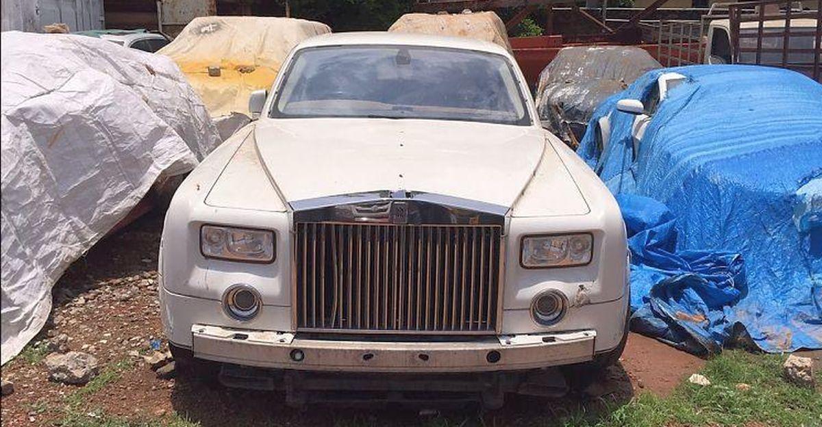 5 Rolls Royce super luxury sedans ABANDONED in India