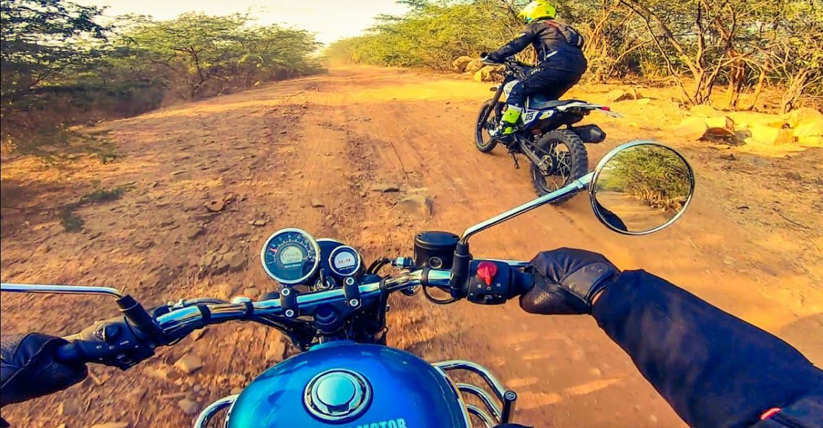 Royal Enfield Meteor goes off-roading along with Hero XPulse 200