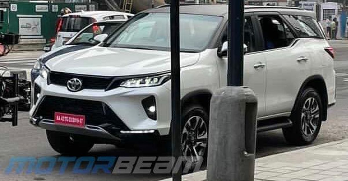 Clear pictures of the Toyota Fortuner Legender from Bangalore streets ahead of launch