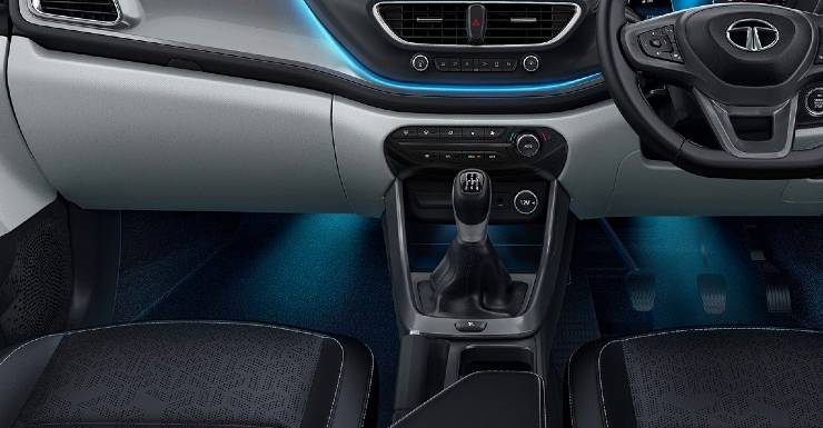 7 BEST-in-segment features that the Tata Altroz iTurbo premium hatchback offers