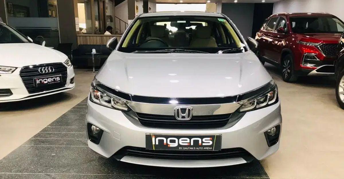 Almost-new, used latest-gen Honda City sedans
