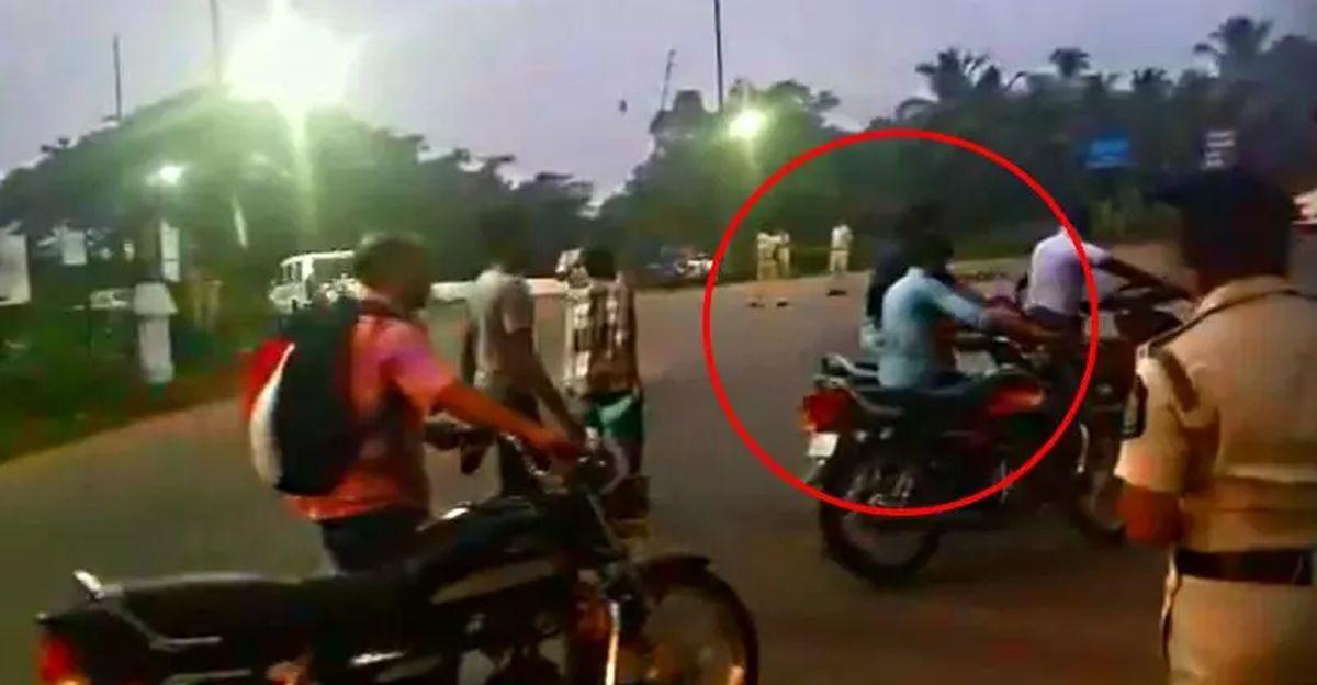 Motorists' crazy idea to escape helmet rule in Goa is hilarious
