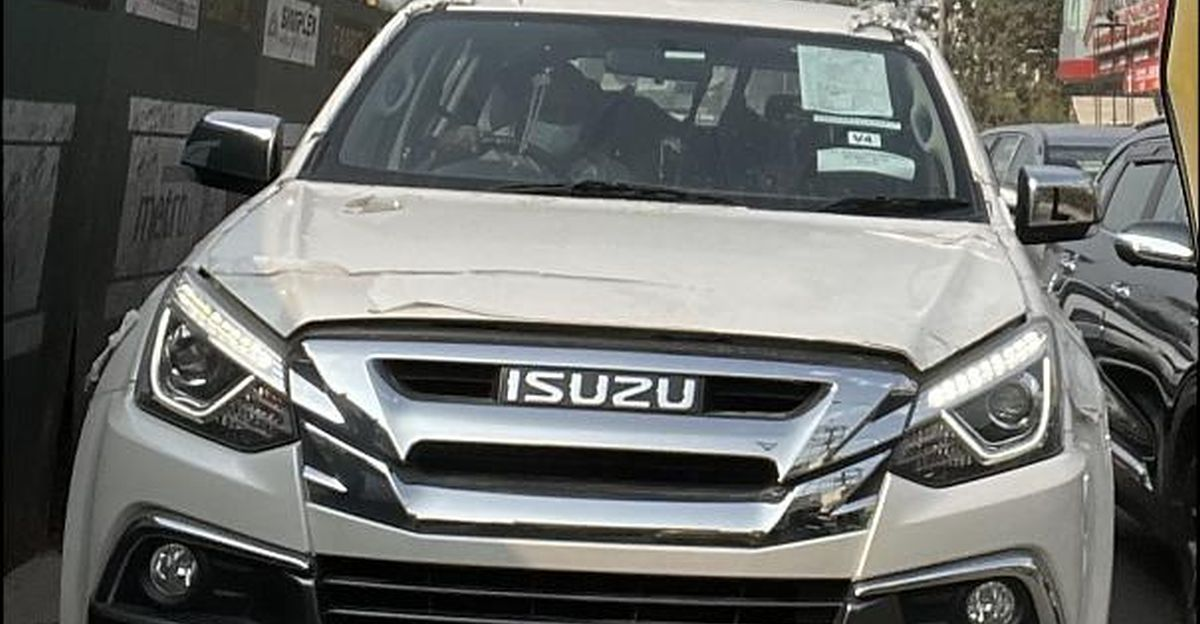 Upcoming Isuzu MU-X BS6 luxury SUV spied before official launch
