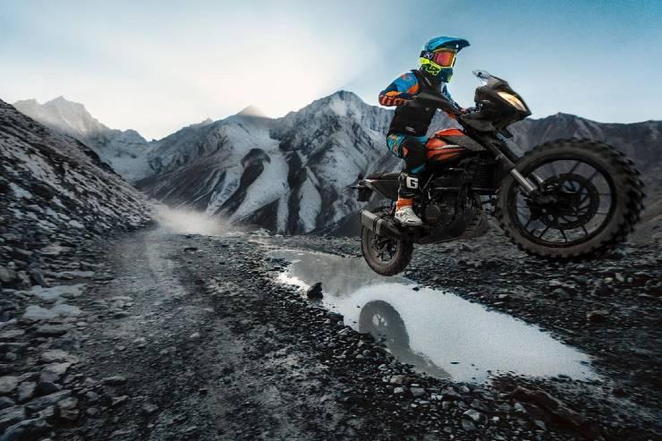 Biker on KTM 390 Adventure sets world's highest hill climb record [Video]