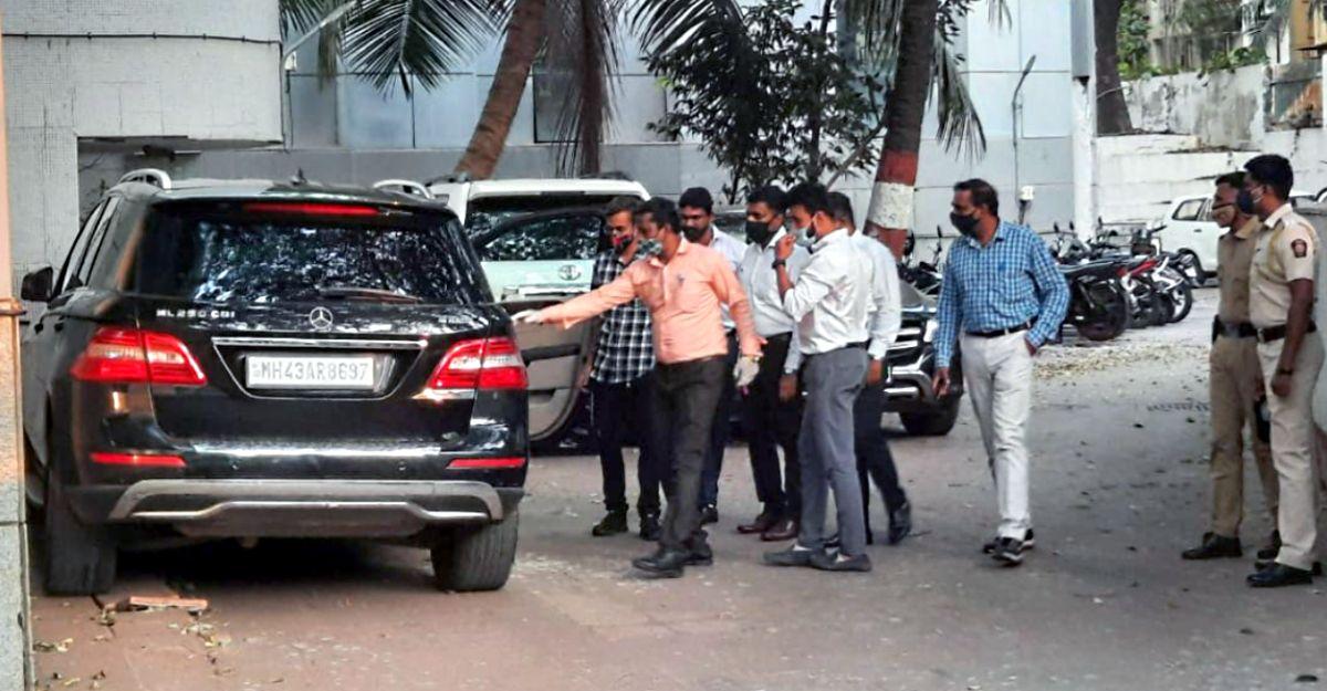 Mercedes ML250 & Toyota LandCruiser Prado allegedly used by Sachin Vaze seized by NIA