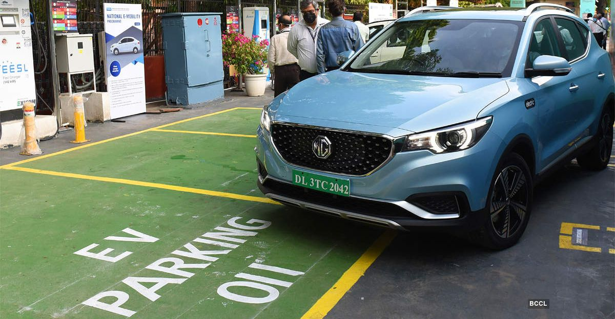 Delhi Govt directs malls & hotels to reserve 5 % parking space for Electric Vehicles