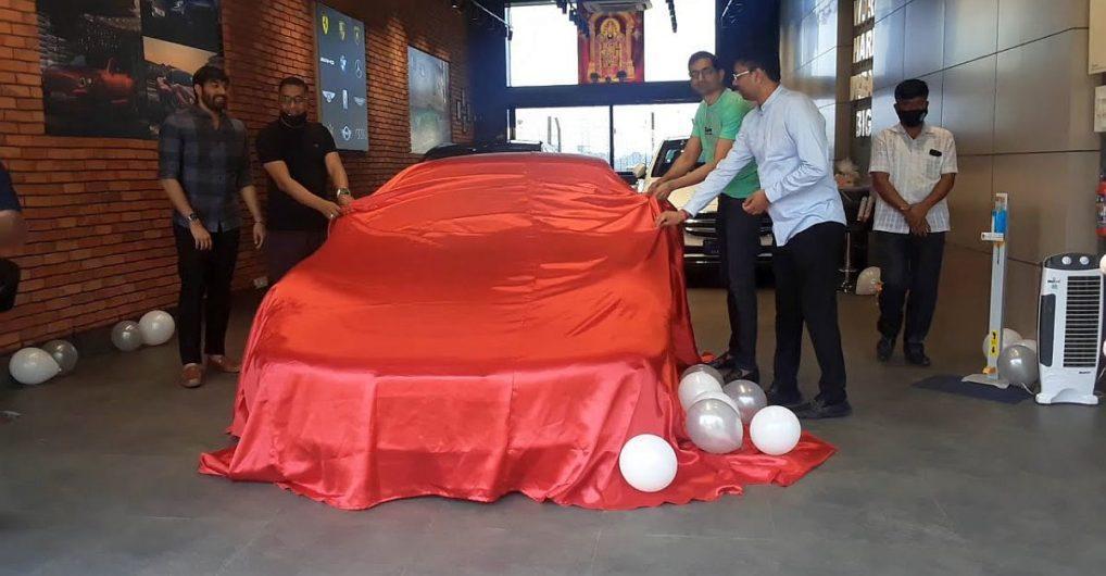 Watch Rs. 3 crore Porsche 911 turbo supercar getting delivered - CarToq.com