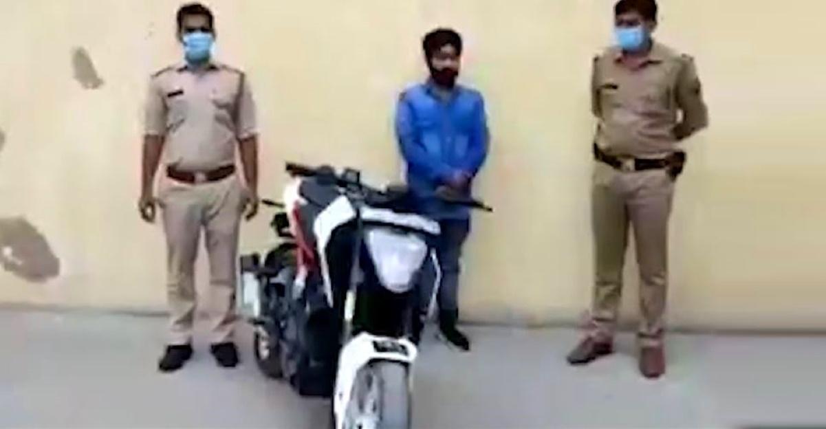 Noida Police arrests biker on KTM Duke for stunting on public roads