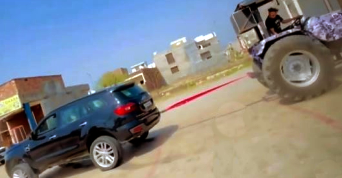 Ford Endeavour vs Tractor in a tug of war: Who will win