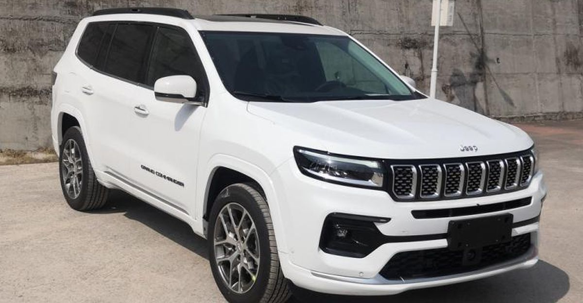 Jeep Grand Commander first spy shots without camouflage