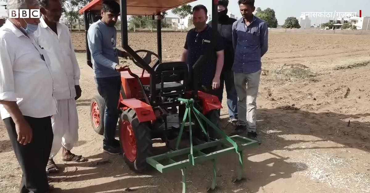 This electric tractor runs on solar power, and is homemade