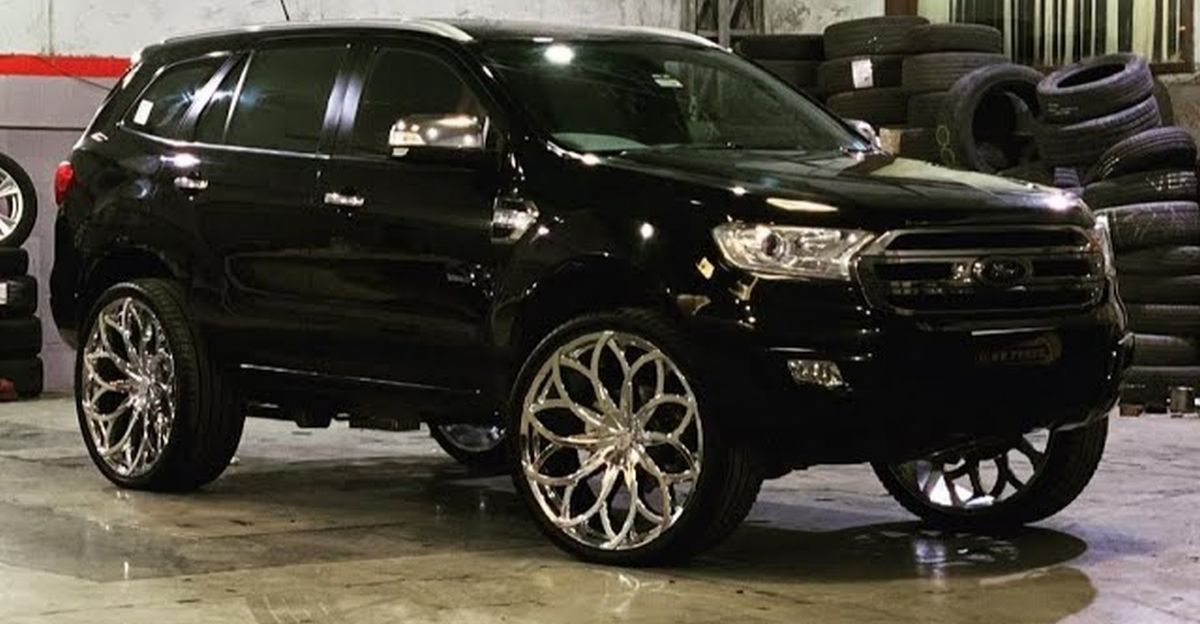 India's only Ford Endeavour SUV with a 26 inch aftermarket wheels