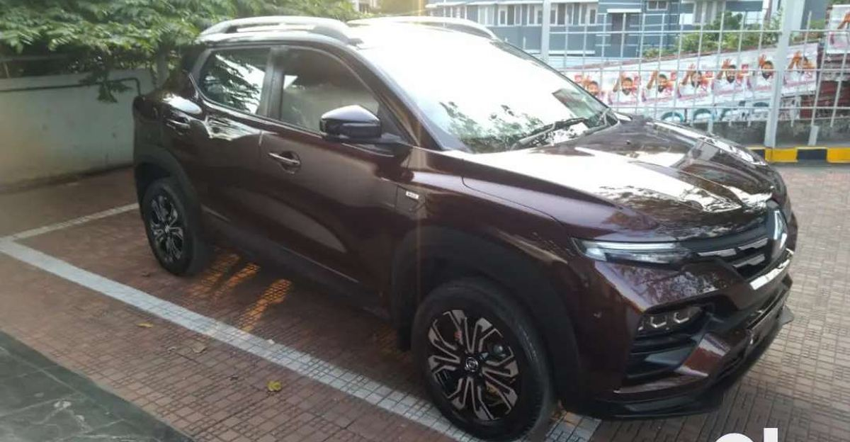Almost new Renault Kiger sub-4 meter compact SUVs for sale