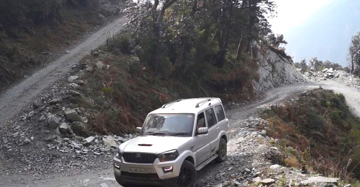 How to drive in the mountains like a local