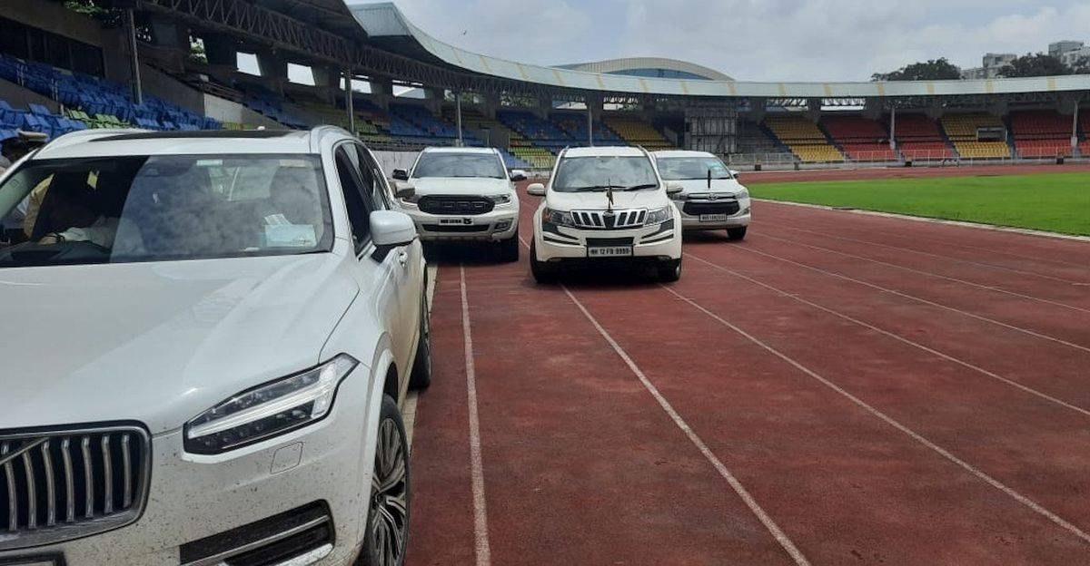 Sharad Pawar & other politicians park SUVs on Race Track: Sports Minister hits out