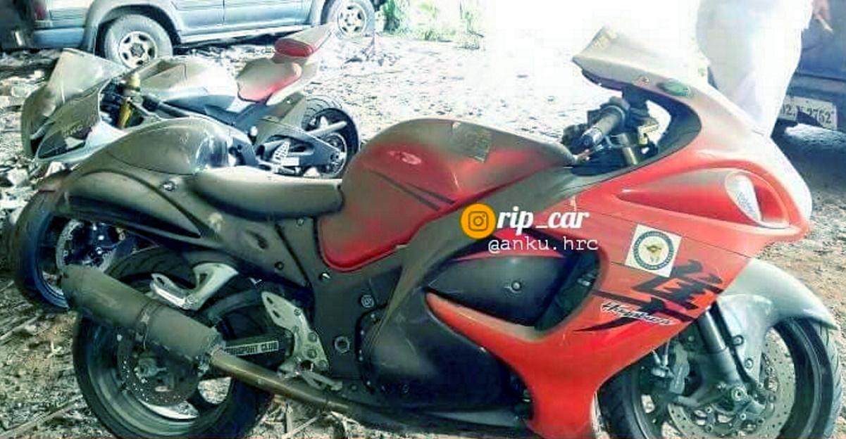 Suzuki Hayabusa & Yamaha R6 superbikes abandoned in Mumbai