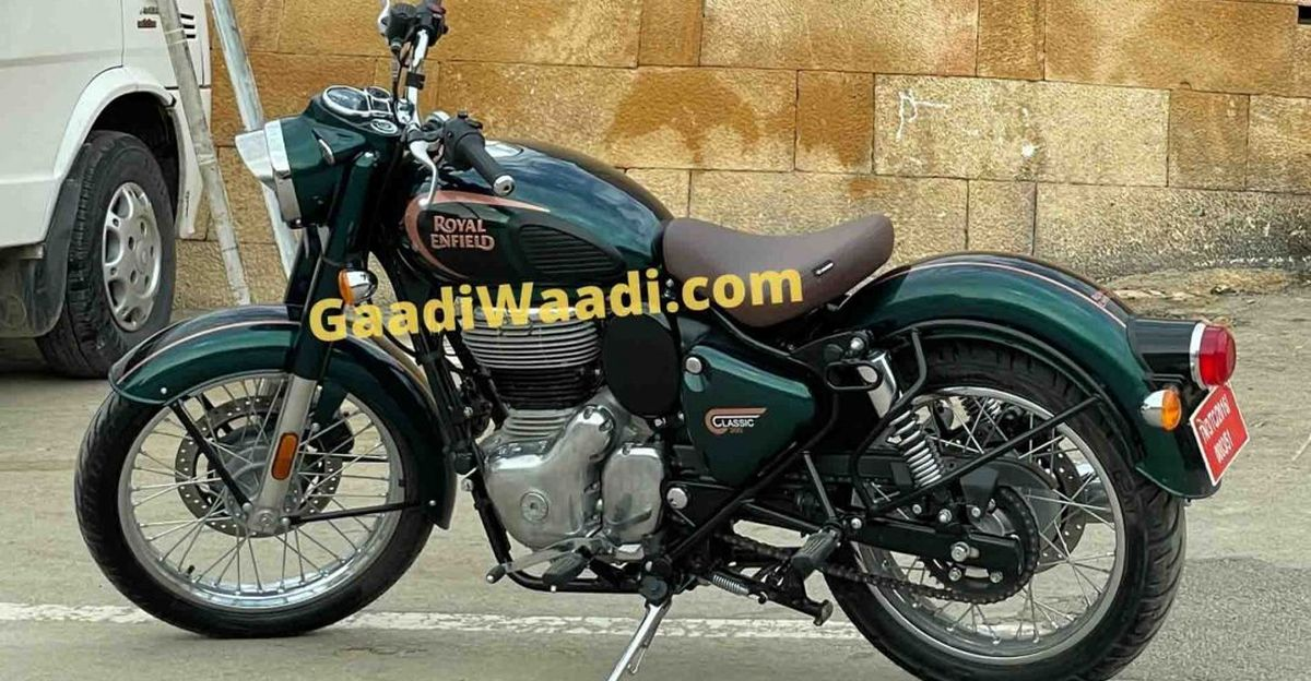 2021 Royal Enfield Classic 350 spotted without camouflage