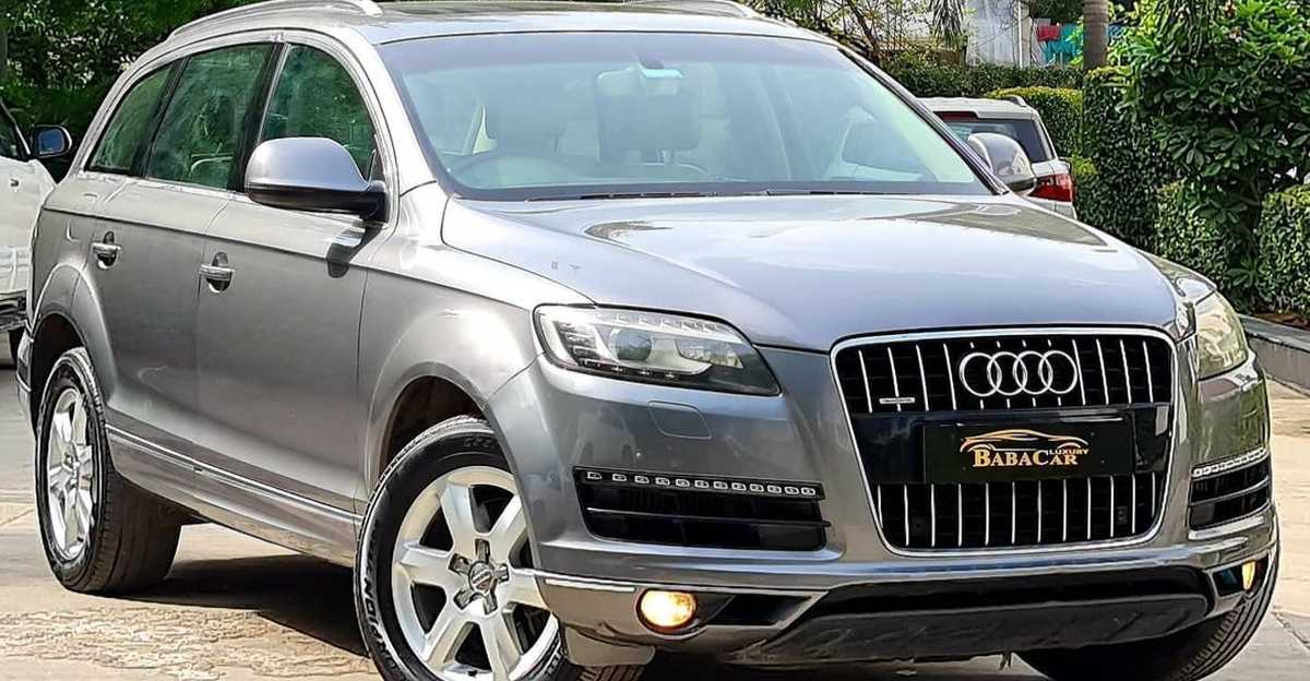 Well maintained Audi Q7 luxury SUV selling at Hyundai Creta prices