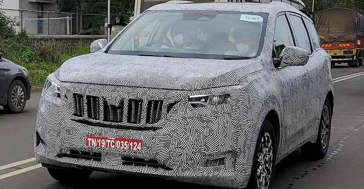 Mahindra XUV 700 spotted with X-shaped tail lamps