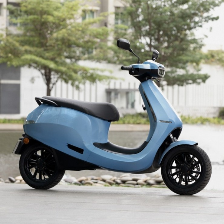"""President of the association of dealers on the electric scooter Ola: the """"direct to customer"""" model is a concern"""