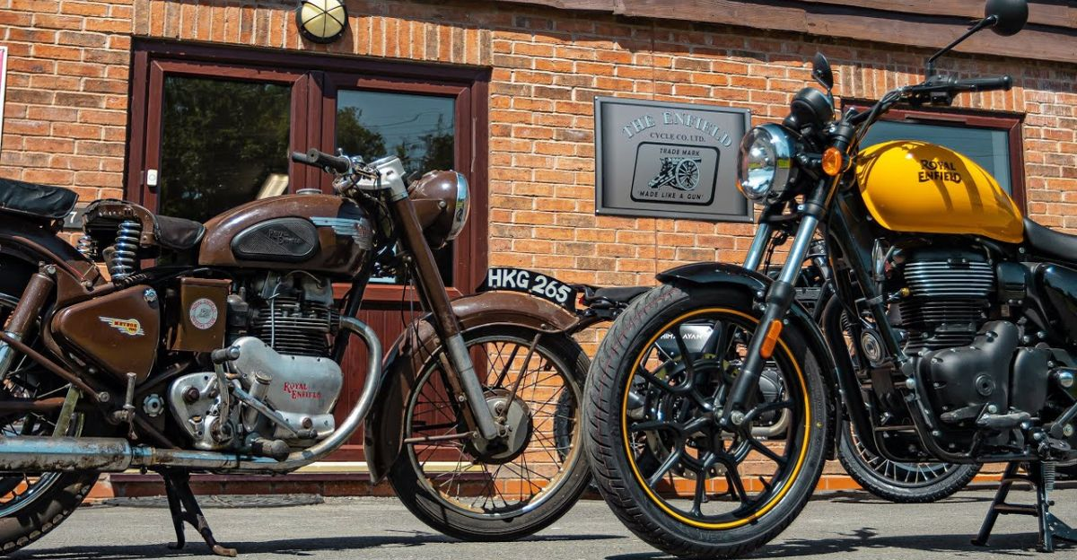 1953 Royal Enfield Meteor 700 compared to Meteor 350 in a video