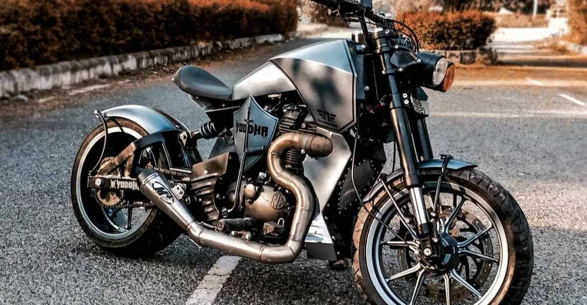 Modified Royal Enfield Thunderbird from Neev Motorcycles wants to be a Street Fighter