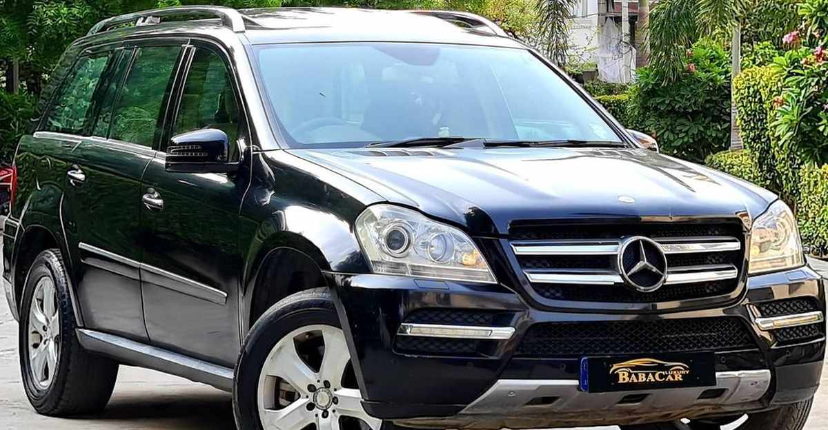 Well-kept Mercedes Benz GL350 7 seat luxury SUV selling at Kia Sonet prices
