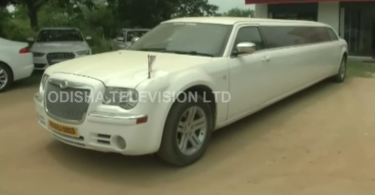 COVID19 lockdown effect: Super luxury cars & imported limousines gathering dust [Video]