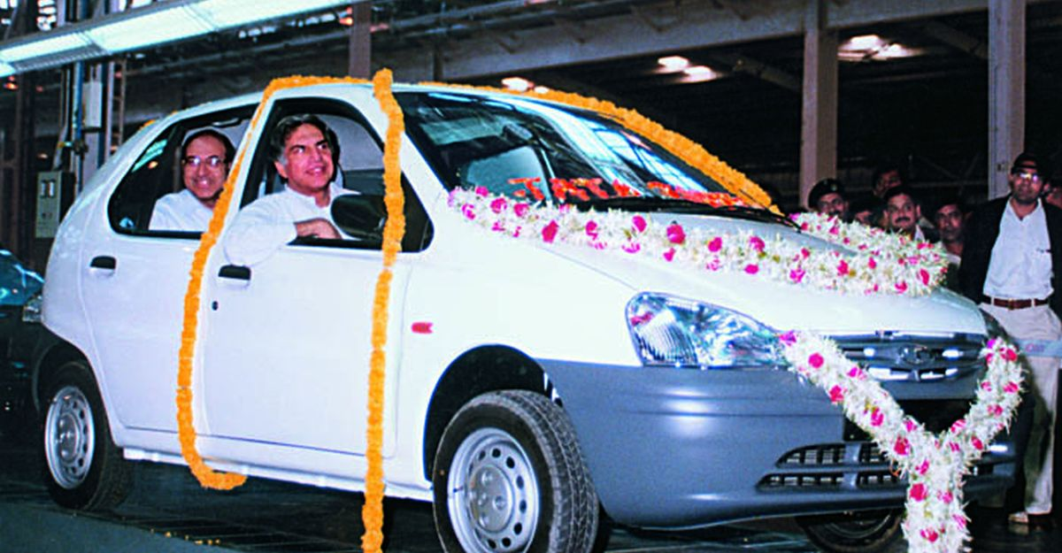 Rare video of Ratan Tata launching the Tata Safari & Indica at Auto Expo 1998