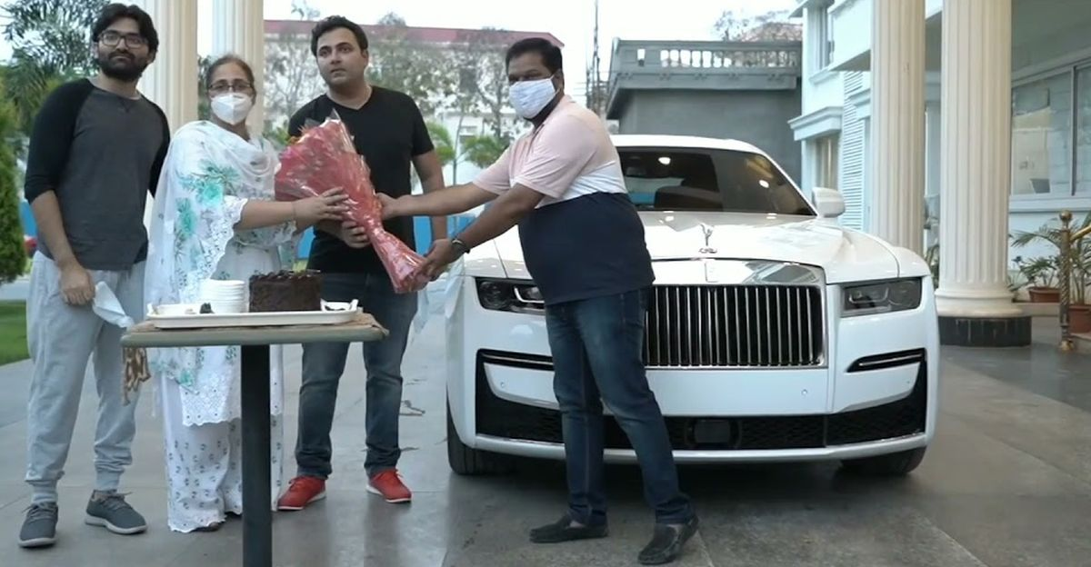 Watch 2021 Rolls Royce Ghost getting home delivered in Hyderabad